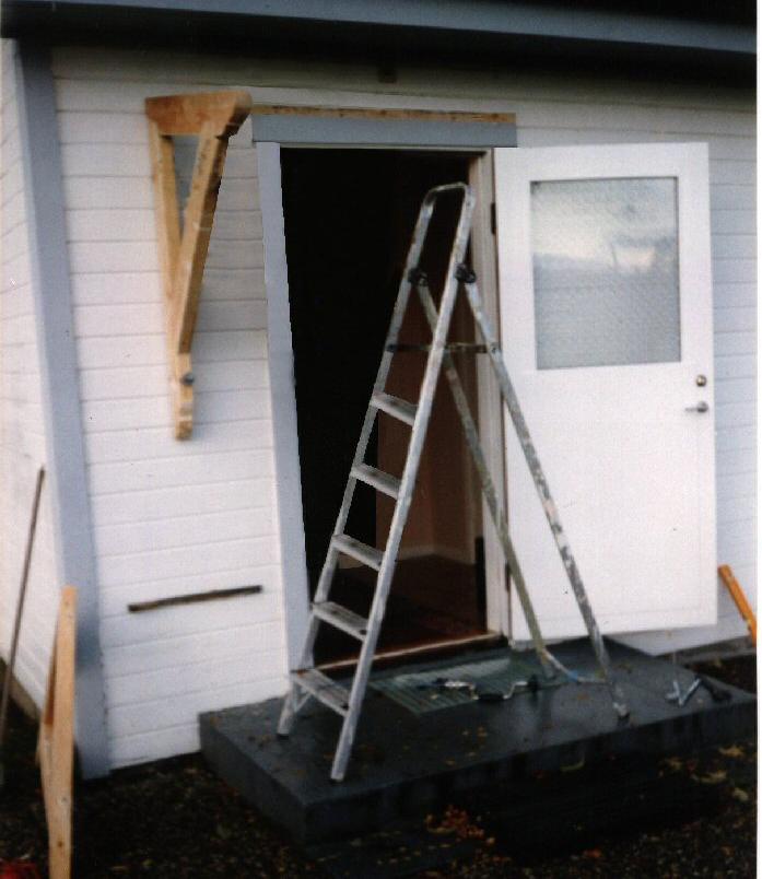 tak över dörr